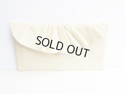 画像2: Leather Pleated Clutch Bag(S-size) in Ivory by Vicki From Europe