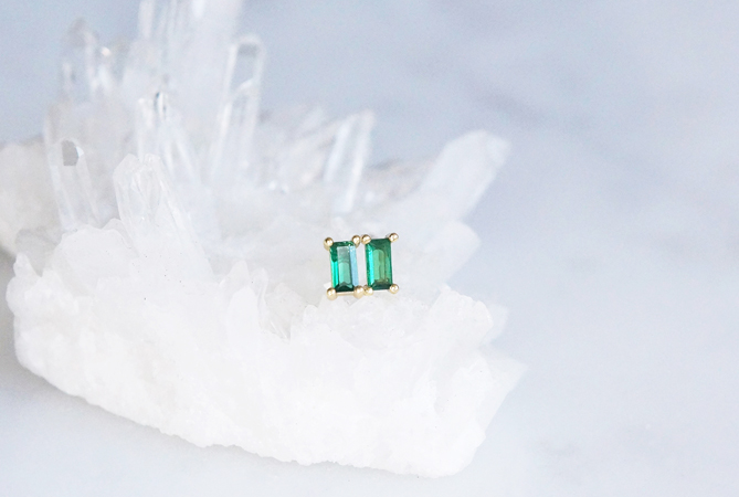 画像1: 【Sterling silver 925】Rectangle Emerald CZ Tiny Stud Earrings
