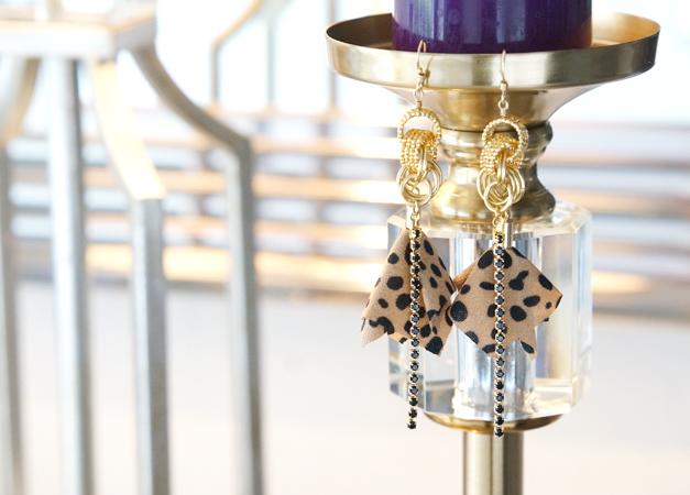 画像1: 【14KGF】 Dalmatian Swarovski Earrings