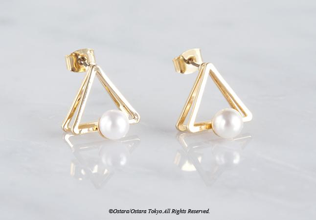 画像2: Glossy Gold Triangle Pearl Stud Earrings