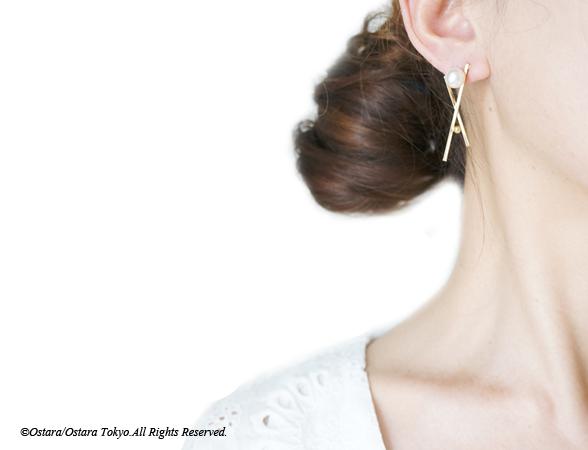 画像4: Glossy Gold Cross Pearl Earrings
