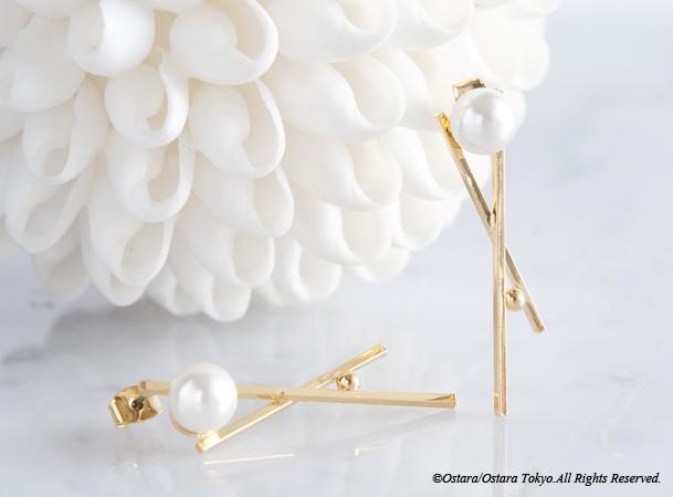 画像3: Glossy Gold Cross Pearl Earrings