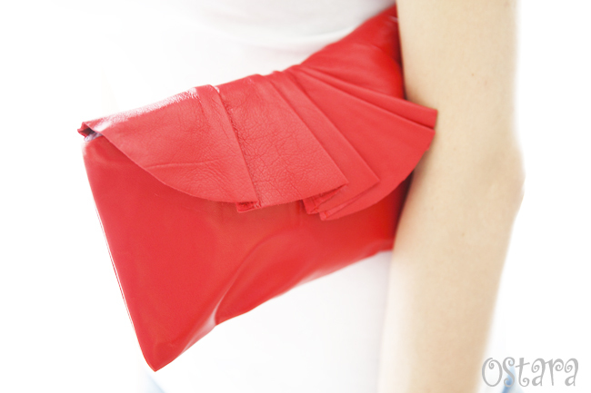 画像4: Leather Pleated Clutch Bag(S-size) in Red by Vicki From Europe